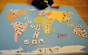 Mapa kontinentů se zvířaty,