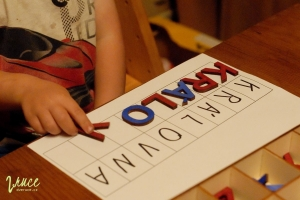vcely-pohybliva-abeceda