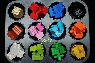 Třídění barev, forma na muffiny, lego duplo